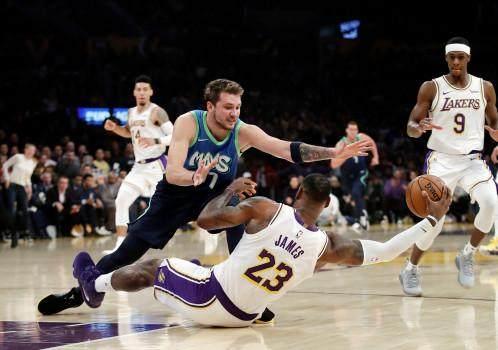 Mavericks-Lakers-Basketball-7-1.jpg
