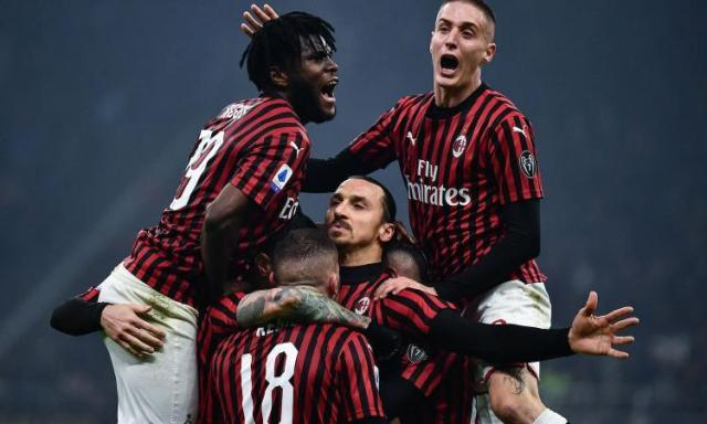 Ibra.Milan.gruppo.esultanza.2020.750x450.jpg