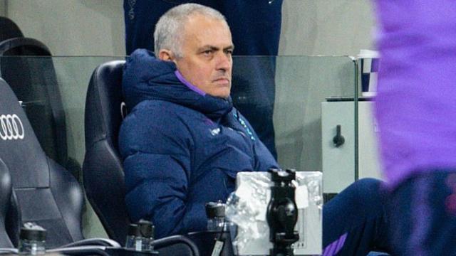 Fans-hurl-Jose-Mourinho-for-refusing-to-watch-Tottenham-with-1280x720.jpg