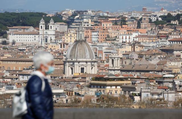 2020-03-24T172358Z_1_LYNXMPEG2N1V8_RTROPTP_3_HEALTH-CORONAVIRUS-ITALY.jpg