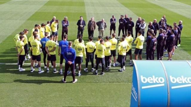 EuropaPress_2716726_reunion_primera_plantilla_futbol_fc_barcelona_presidente_josep_maria_bartomeu_20200313125037-klPF--656x410@LaVanguardia-Web.jpg