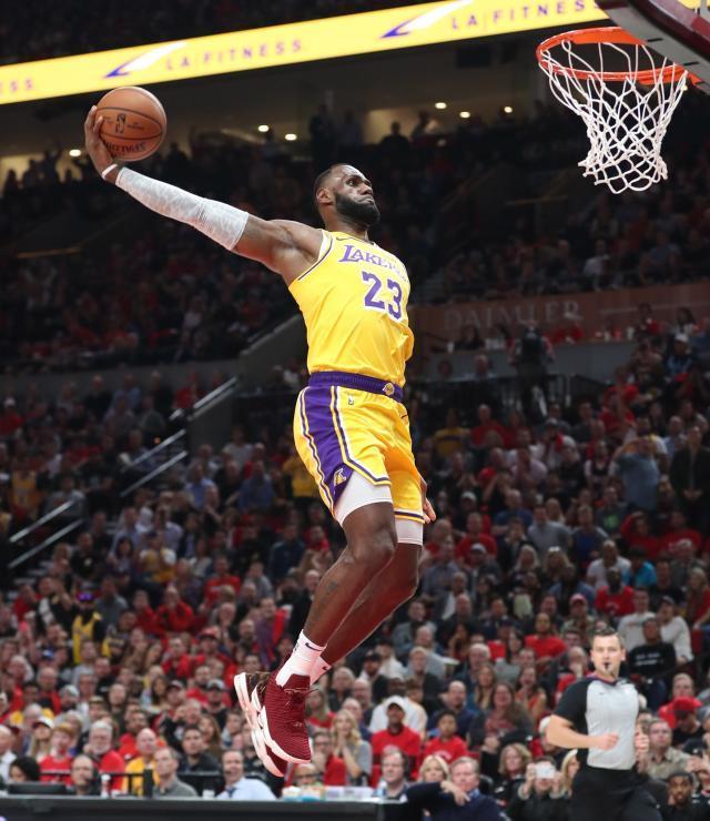 ed1cee67-05ad-4431-8327-7705a9c5b61e-USP_NBA__Los_Angeles_Lakers_at_Portland_Trail_Blaz.jpg