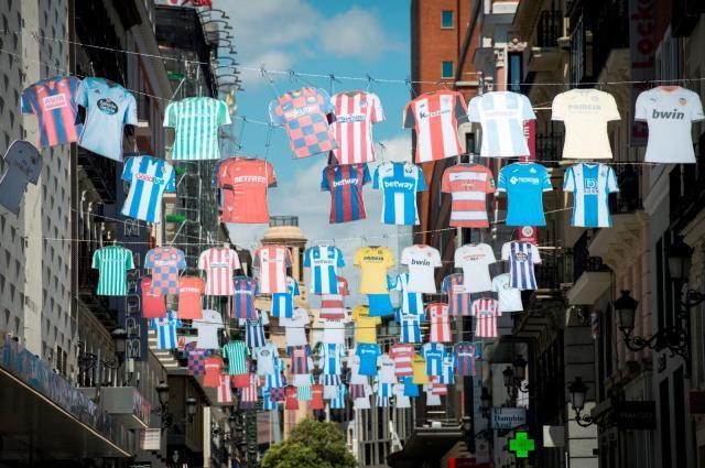 《【天辰娱乐返点】李森:西甲复赛前引发两大争论 45%俱乐部发声抗议》