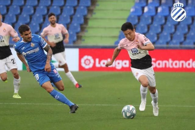 《【天辰娱乐总代理】武磊被前切尔西辱华球员挑衅 造点球遭裁判无视》
