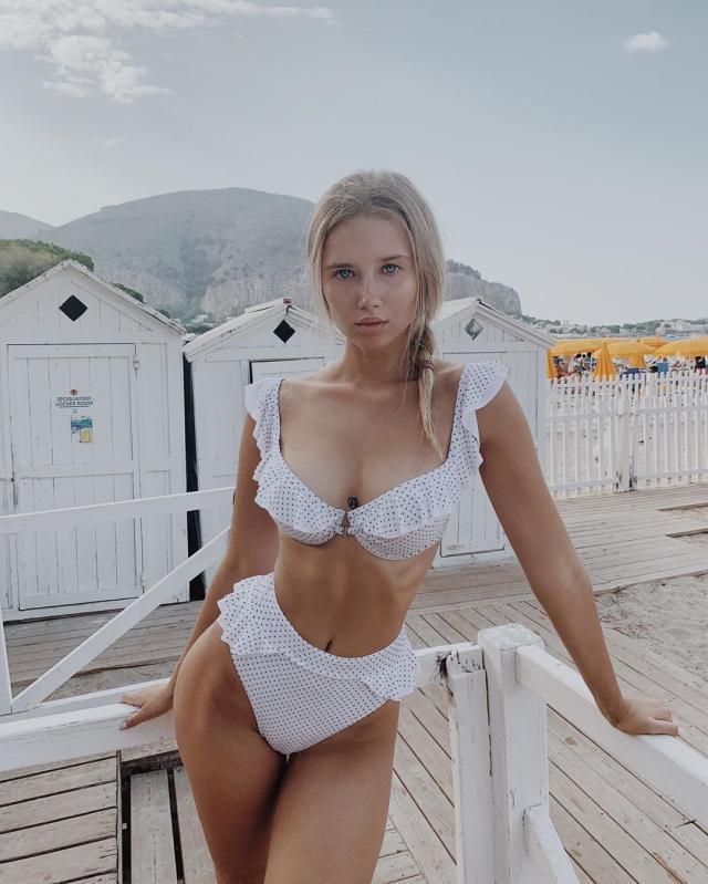 Polina Malinovskaya (34).jpg