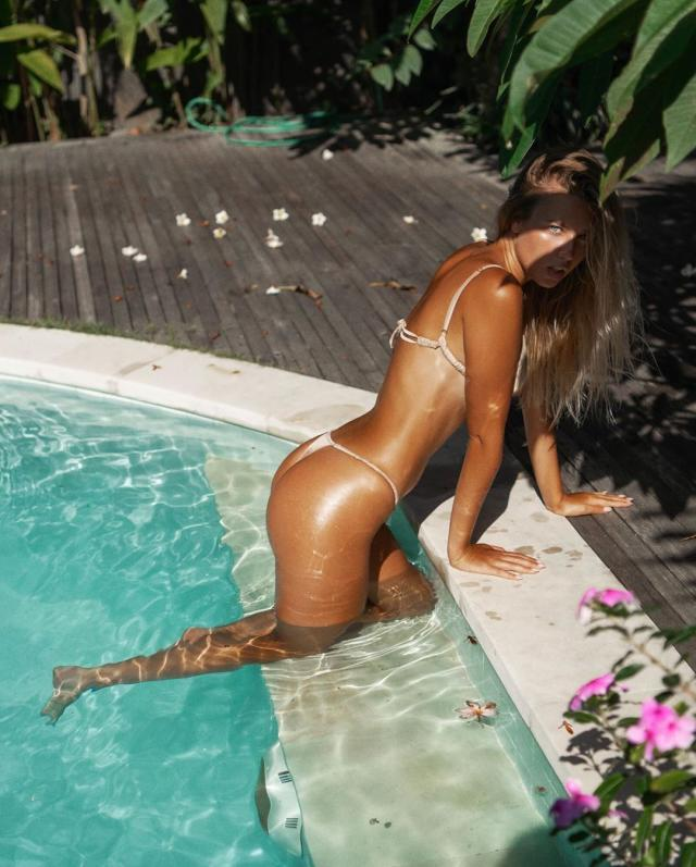 Polina Malinovskaya (13).jpg