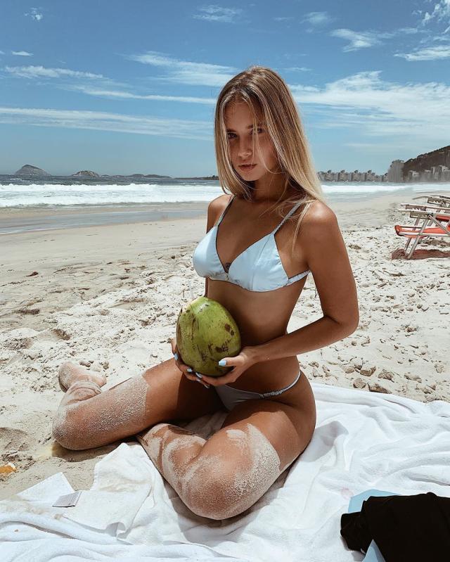 Polina Malinovskaya (37).jpg