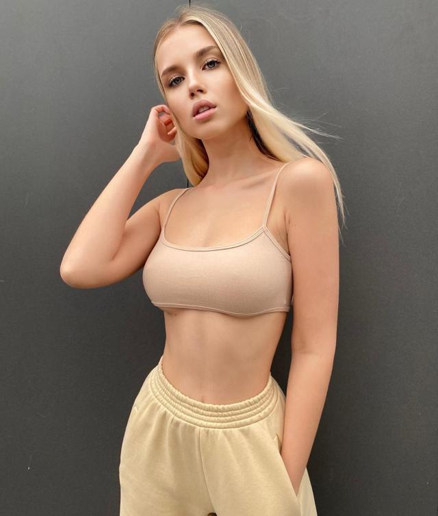 Polina Malinovskaya (25).jpg