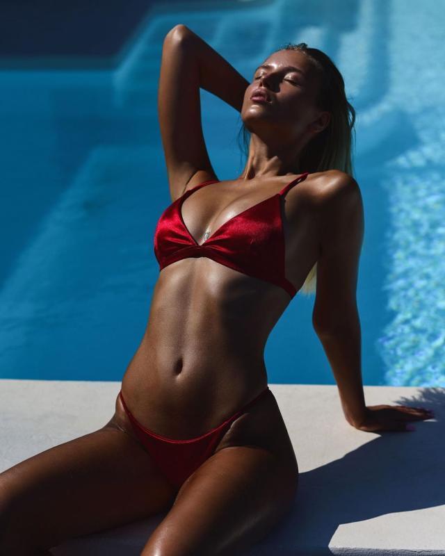 Polina Malinovskaya (30).jpg