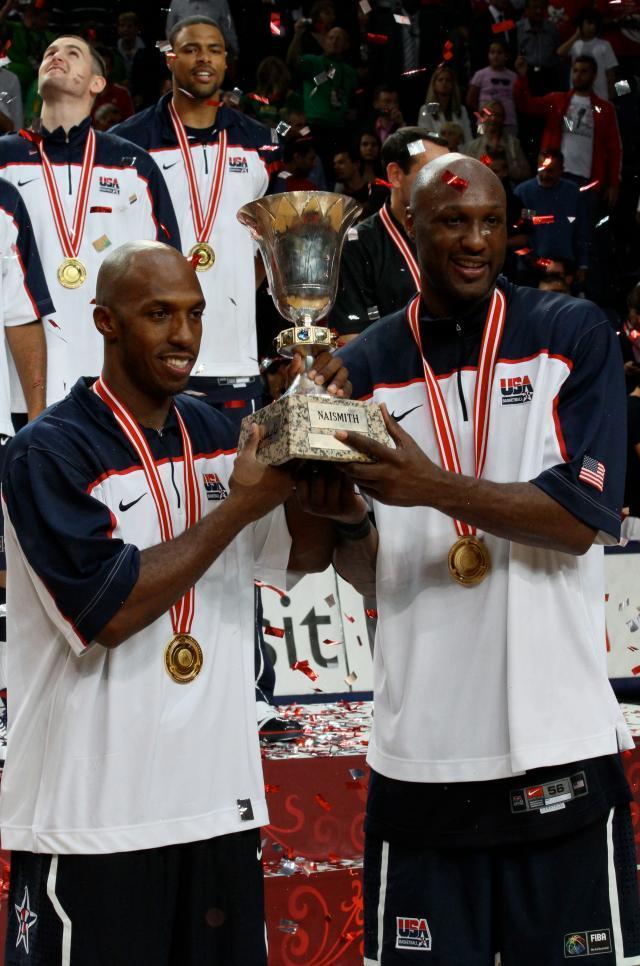Billups_%26_Odom_holding_World_Cup_trophy.jpg