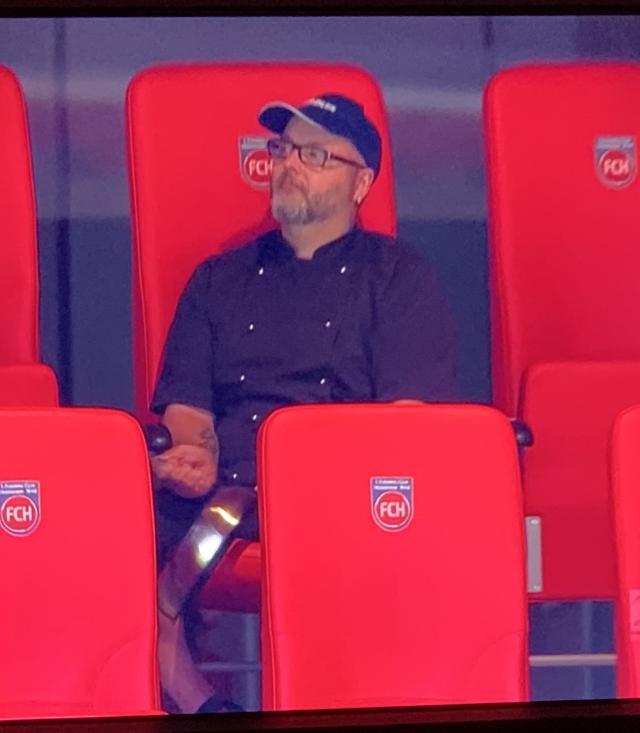 《【天辰娱乐返点】不来梅惊险保级留在德甲 比赛竟有50名观众入场?》