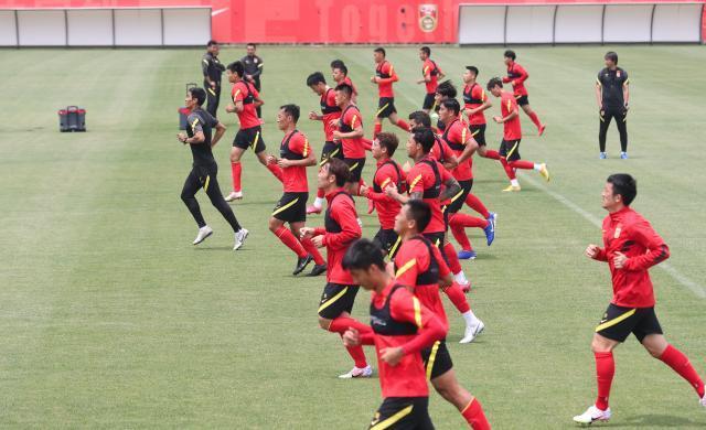 《【天辰娱乐代理分红】刘建宏:中国足球惨淡与失败绝不是那二三十人的事》