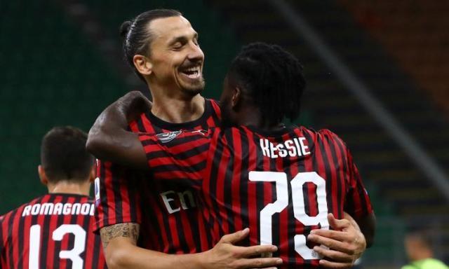 Ibrahimovic.Kessie.Milan.2019.20.abbraccio.750x450.jpg