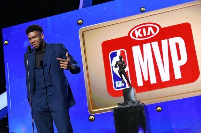 《【天辰娱乐总代理】NBA赛季奖项评选不含复赛表现!字母哥蝉联MVP已稳》