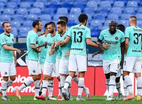 Inter.2019.20.esultanza.gruppo.seconda.maglia.460x340.jpg