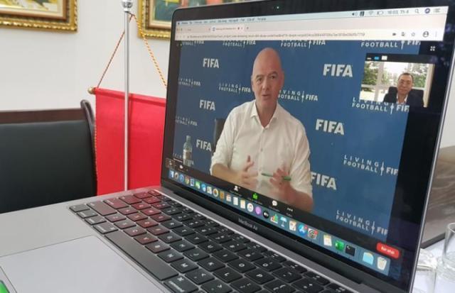 FIFA主席坦言40强赛仍存在延期可能 密切观察发展