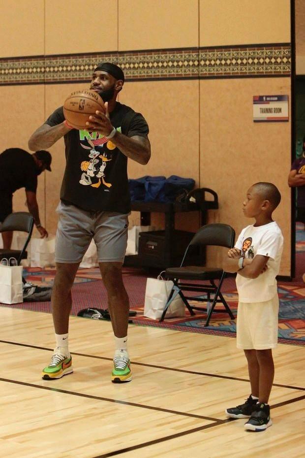 LDN-L-NBA-DAD-0922-WAITERS.jpg