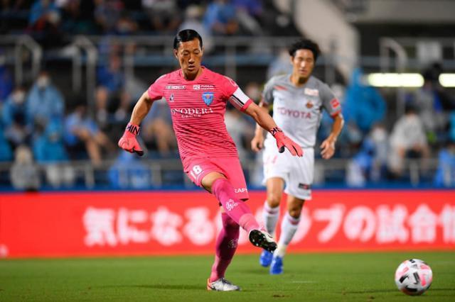 《【天辰娱乐怎么代理】J联赛横滨FC今晚首发:53岁三浦知良+42岁中村俊辅》