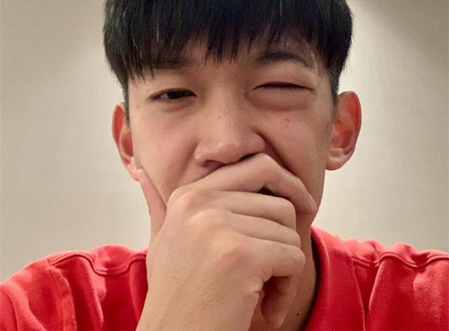 《【天辰总代理】颜骏凌谈受伤:当时有点晕 相信毕津浩不是故意的》