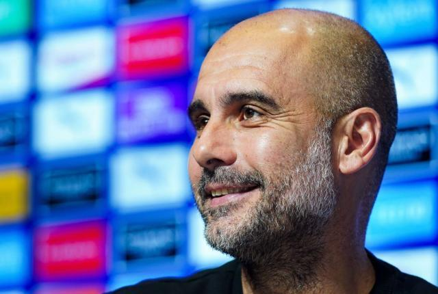 Guardiola-signs-new-contract-at-Manchester-City.jpg