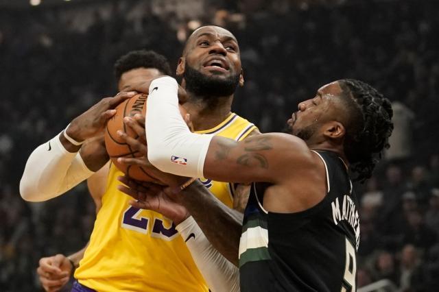 b5317dfe-79be-4dee-9f7c-9e65edc79d94-AP_Lakers_Bucks_Basketball.jpg