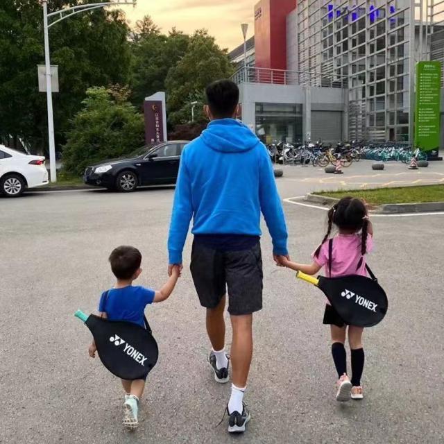 《【天辰平台代理怎么注册】而立之年的责任与担当 四位爸爸球员的柔情与战争》