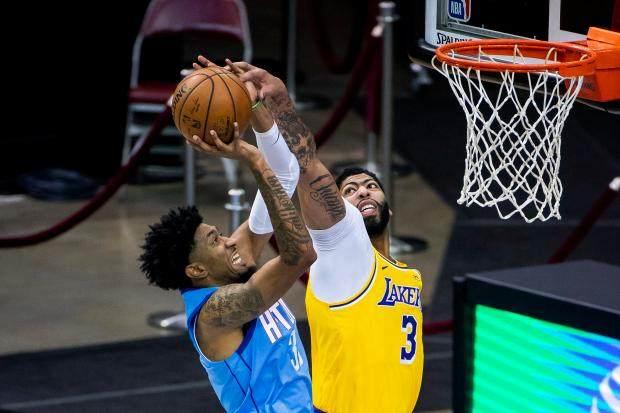 Lakers-Rockets-Basketball-6-1.jpg