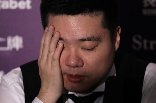 """《【天辰娱乐总代理】中国军团一喜一忧 丁俊晖自嘲打出""""愚蠢一杆""""》"""