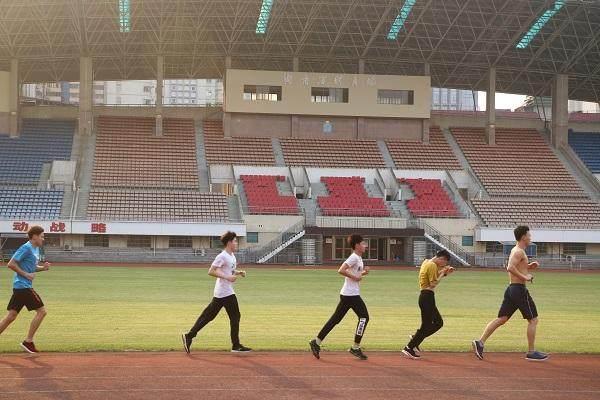 湖南省人民体育场-跑步.jpg