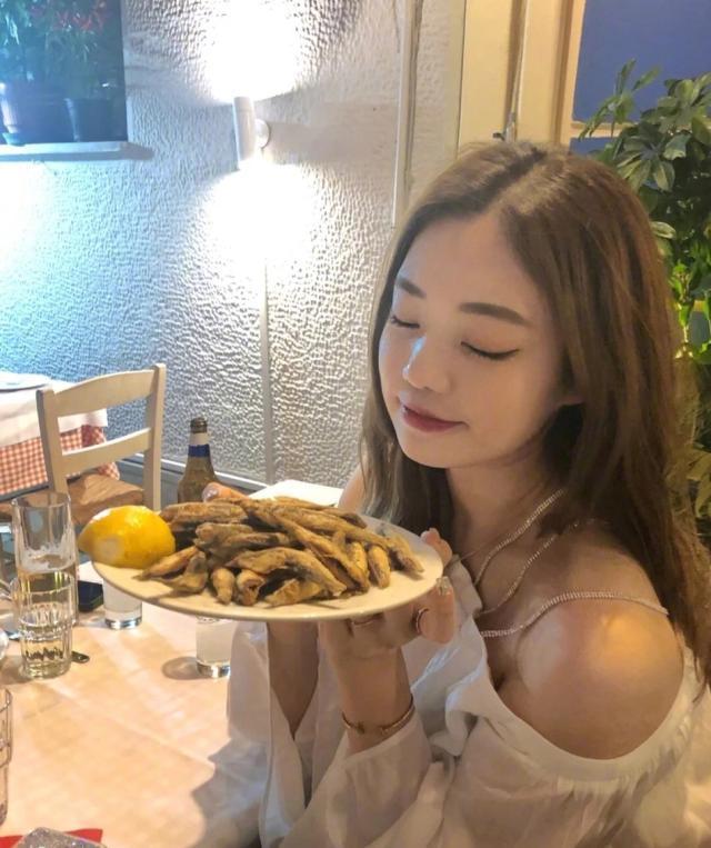 图片23 李嗣镕的姐姐李衍慧 图片2.jpg