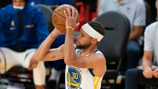 watch-steph-curry-shows-off-new-pregame-shot.jpg