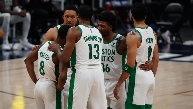 Celtics_huddle_USATSI_15881643.jpg
