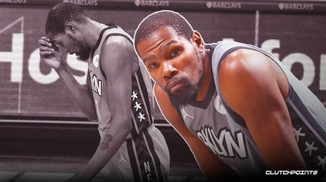 Kevin-Durant-heads-to-locker-room-during-Sunday_s-game-vs-Heat.jpg