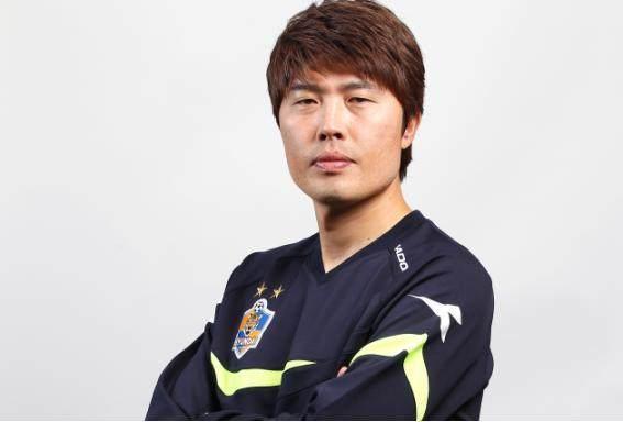 04-金湘勳曾在蔚山现代担任助理教练.jpg
