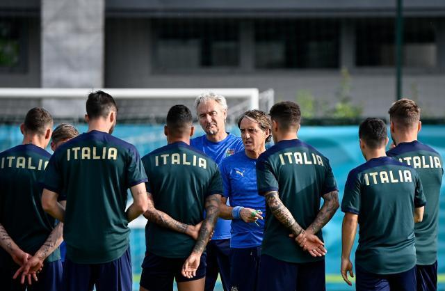 Mancini-Italy-training.jpg
