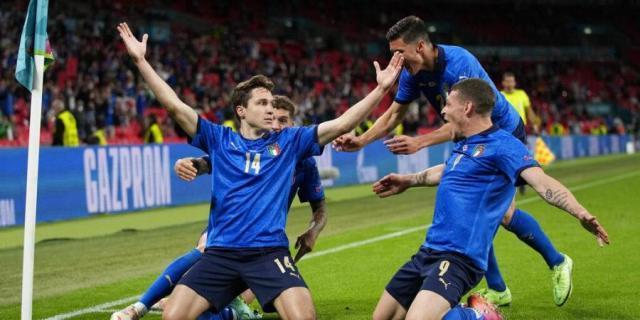 Italy_euro_AP.jpg