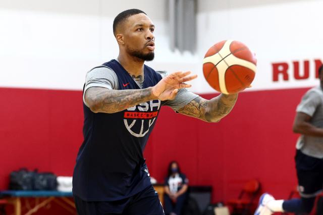 damian-lillard-trade-rumors-swirling-with-knicks-in-anxious-pursuit-scaled.jpg