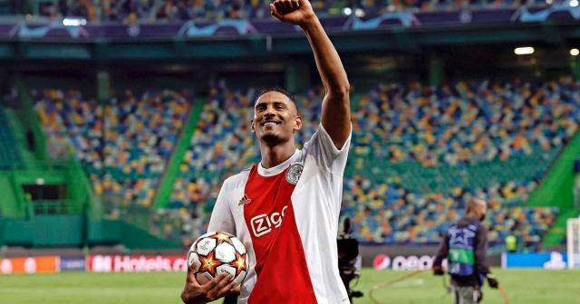 Ajax-striker-Sebastien-Haller-enjoys-his-four-goals-I-cant.jpg