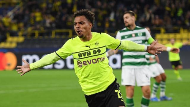 Borussia-Dortmund-v-Sporting-CP-Group-C---UEFA-Cha-2c21495cb55b9c1dee438d396f89ce06.jpg